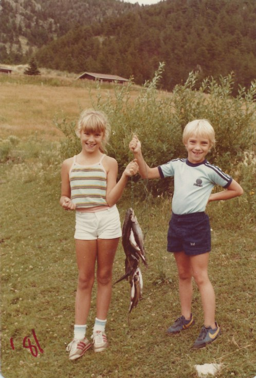 Sara&Travis with fish 1981