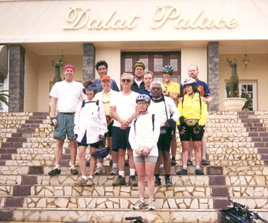 viet bike tour group pic