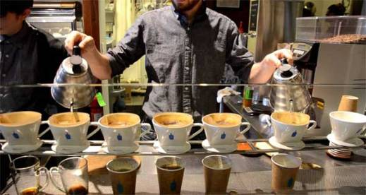 Blue-Bottle-coffee barista