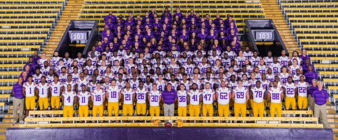 lsu football team photo 2020