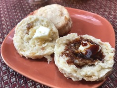 GINER SCONES WITH DATE SYRUP